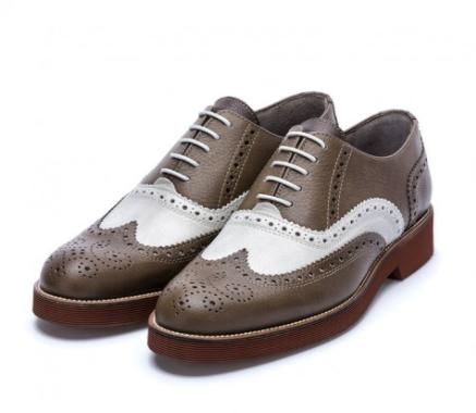 Los auténticos zapatos estilo inglés para hombre